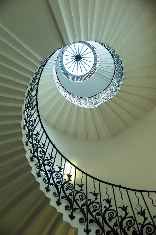 Queen's house Museum - Greenwich - 'Tulip' Staircase | LEICA TRI-ELMAR 28-35-50MM F4 ASPH <br> Click image for more details, Click <b>X</b> on top right of image to close