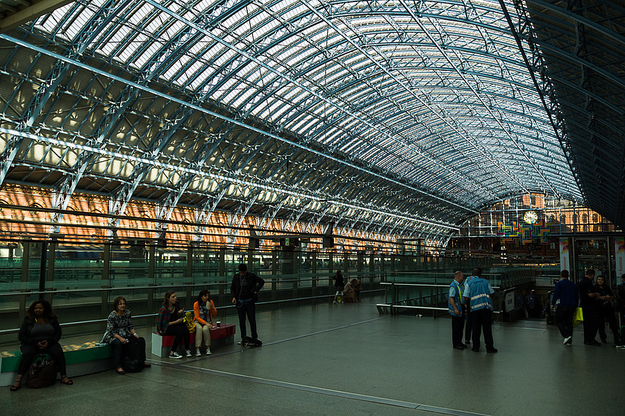 London - St Pancras | LEICA TRI-ELMAR 28-35-50MM F4 ASPH <br> Click image for more details, Click <b>X</b> on top right of image to close