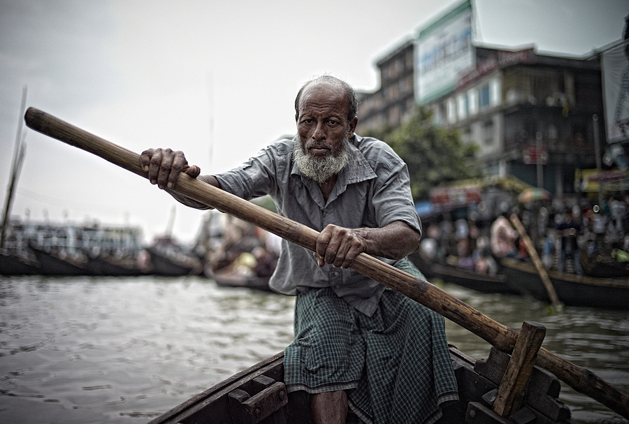 Boatman Dhaka Port | LEICA SUMMICRON 28MM F2 ASPH <br> Click image for more details, Click <b>X</b> on top right of image to close