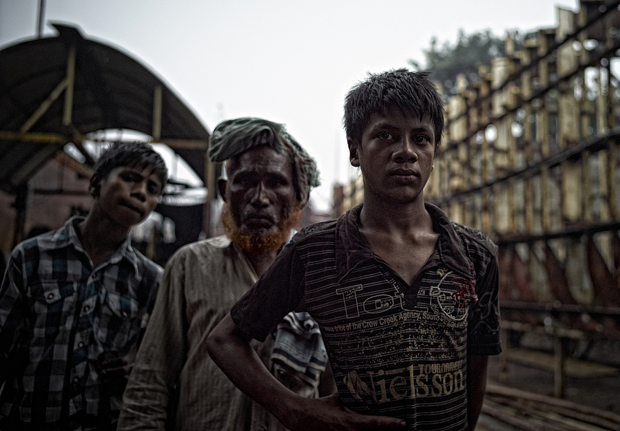Ship Repairers Dhaka | LEICA SUMMICRON 28MM F2 ASPH <br> Click image for more details, Click <b>X</b> on top right of image to close