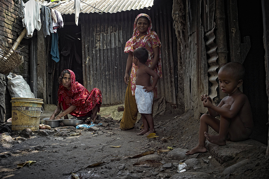 Village Family Bangladesh | LEICA SUMMICRON 28MM F2 ASPH <br> Click image for more details, Click <b>X</b> on top right of image to close