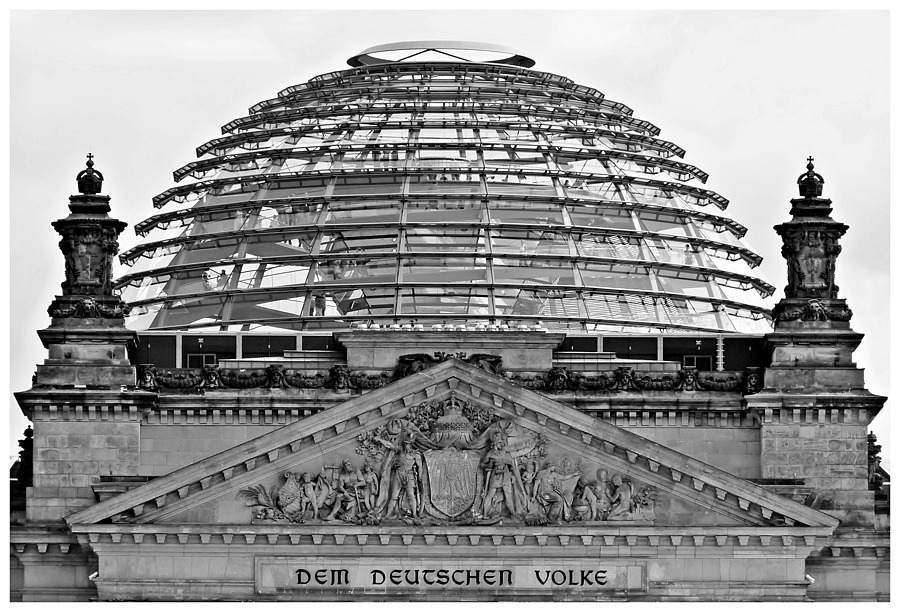 Der Reichstag | DC VARIO-ELMARIT 1:2.8-3.7/7.4-88.8 ASPH <br> Click image for more details, Click <b>X</b> on top right of image to close