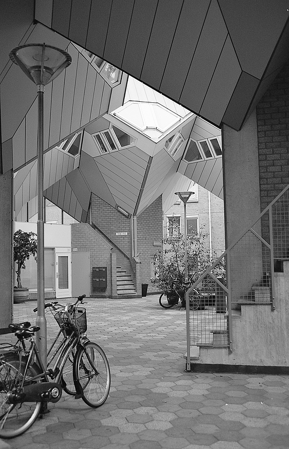 Kubuswoningen, Rotterdam | LEICA 35MM F/2.0 SUMMICRON 2ND VERSION 1976 <br> Click image for more details, Click <b>X</b> on top right of image to close